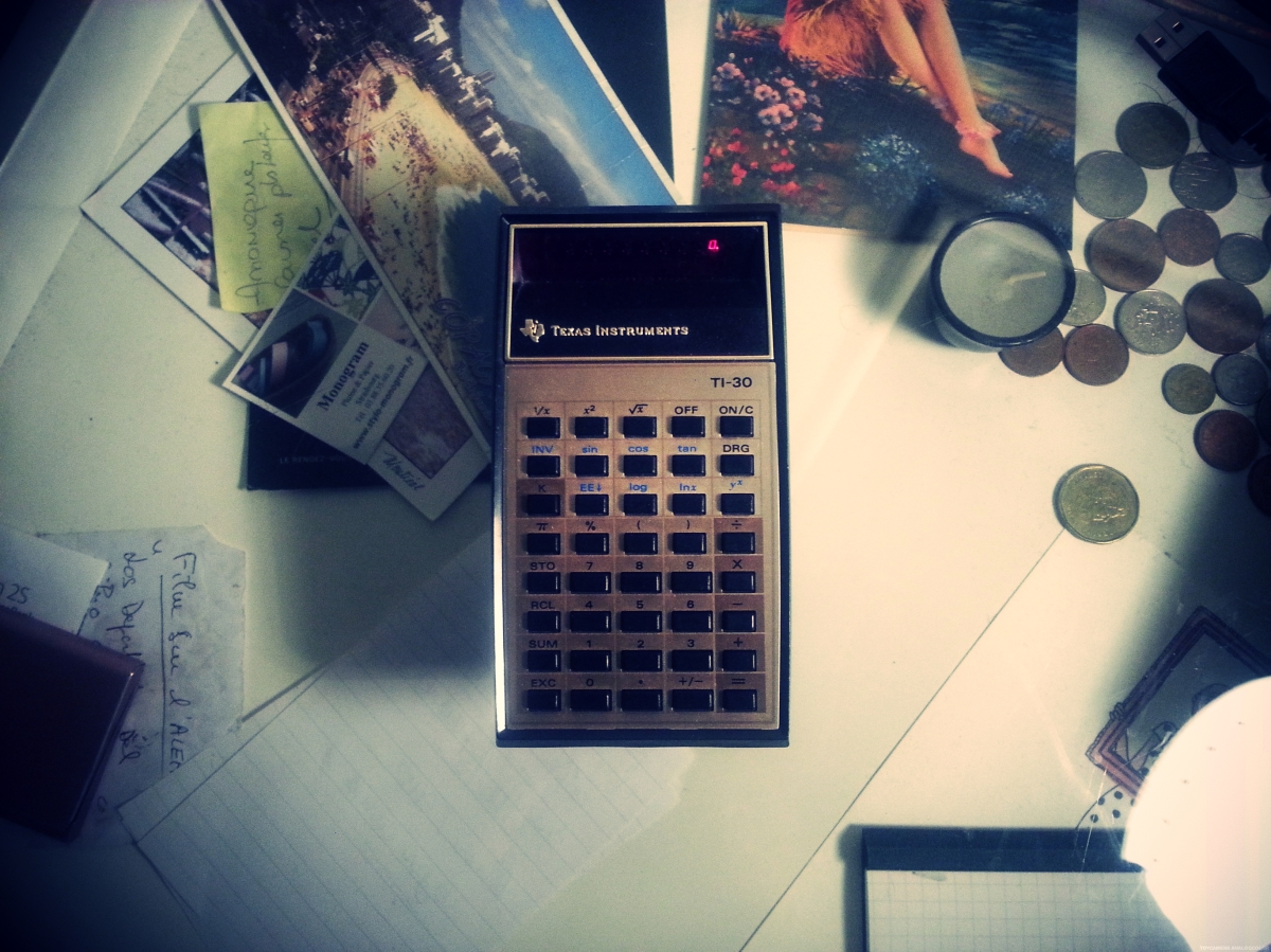 Objet trouvé : Ma calculatrice old-school TI-30